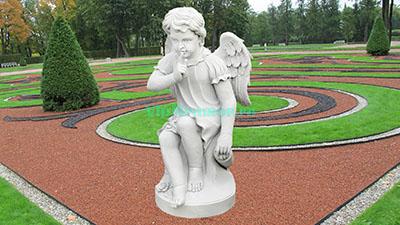 Скульптура ангелочка из мрамора